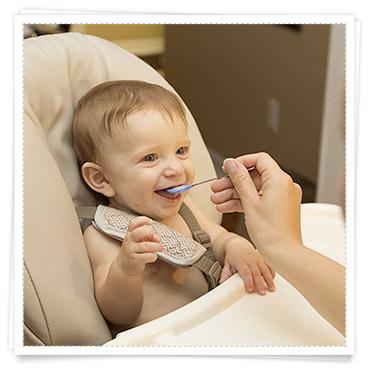 Babys 1 Jahr Ernährung im ersten Jahr