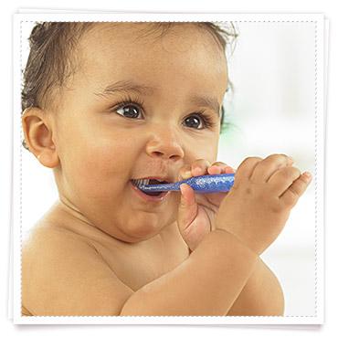 Babys 1 Jahr Pflege Zahnpflege im Babyalter